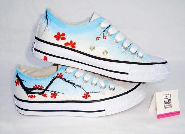 低帮手绘鞋