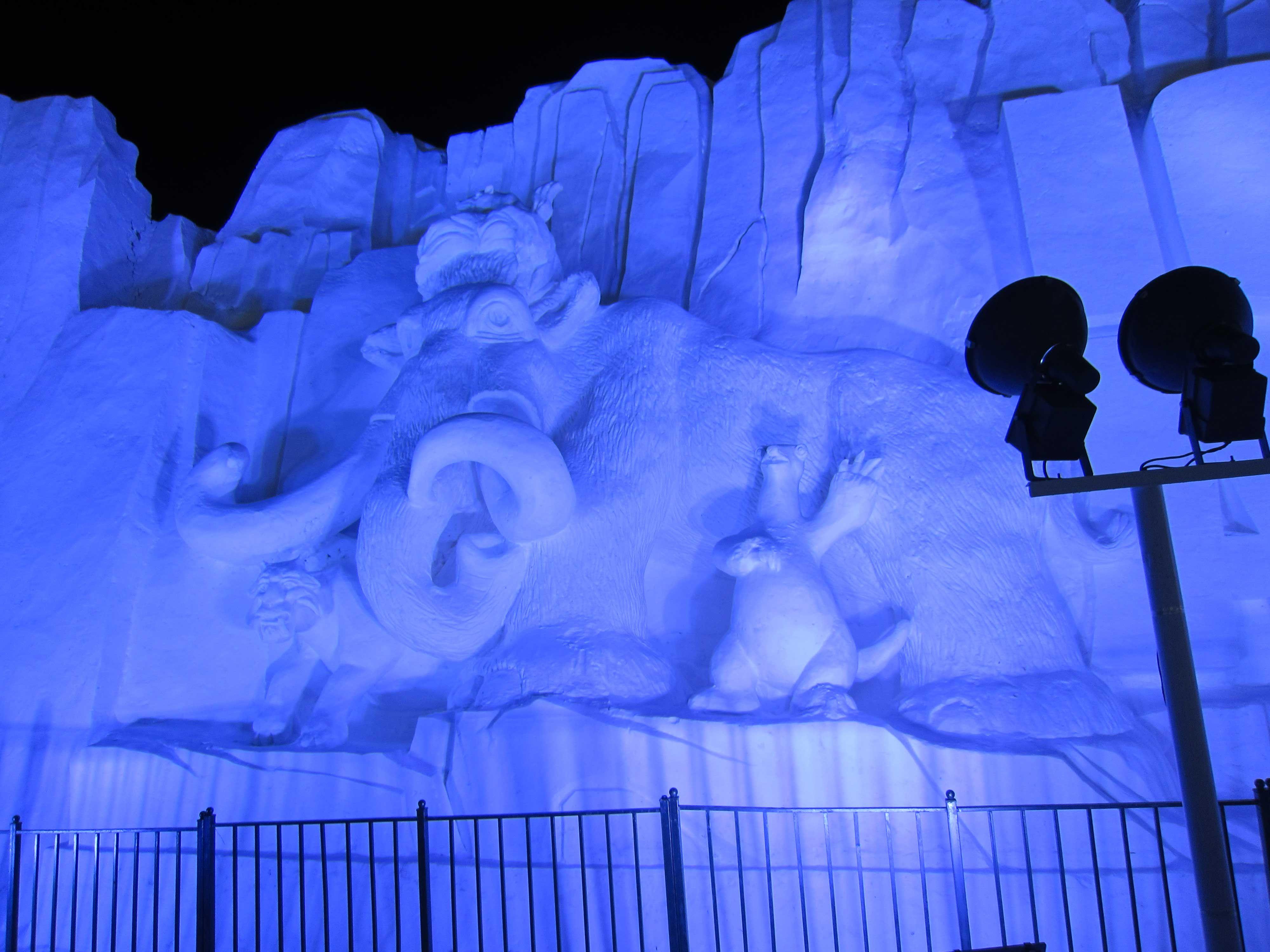 开罗发现动物公园冰雕