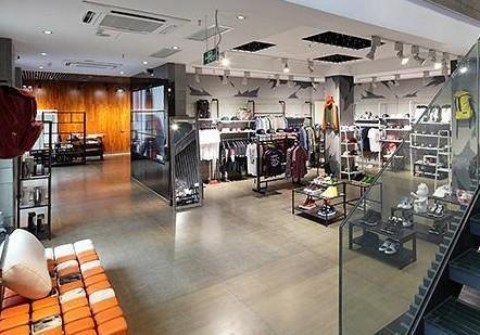百货商场装修中服装店设计欣赏123图片