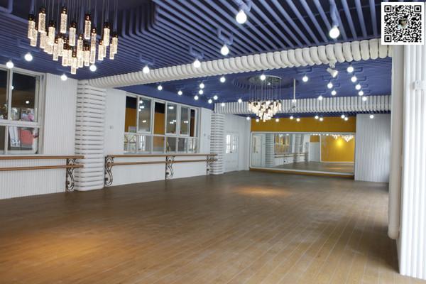 郑州舞蹈室装修设计公司案例1案例图片 郑州舞蹈室设计公司的空间 高清图片