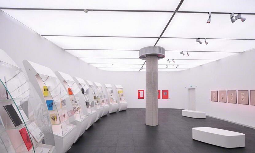 红动中国 济南广告公司 蓝天白云吊顶 透光膜 软膜吊顶施工 拉膜灯箱