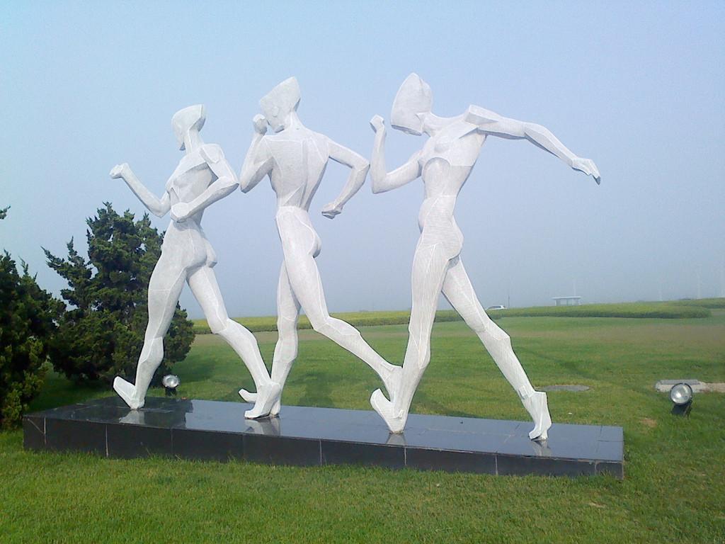 不锈钢雕塑 河南金兰草雕塑设计公司