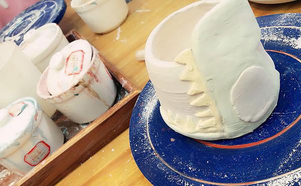 想过做陶艺会很难 但是没想到能做的那么丑
