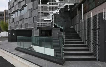 """隈研吾新作""""横滨 Delis"""", 850块铝格栅板呈现马赛克样式"""