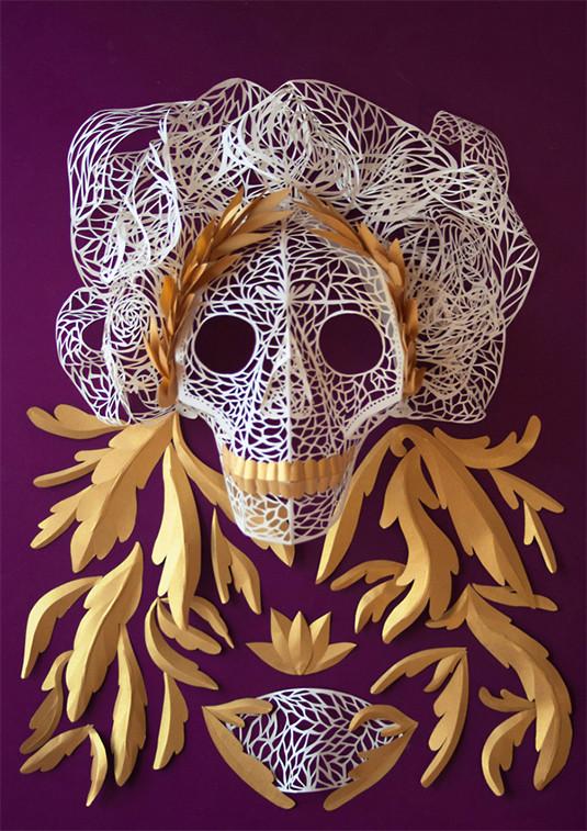 Koleva用复杂的面具庆祝亡灵节