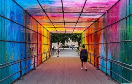 色彩魔术 | 吸睛的彩虹景观装置