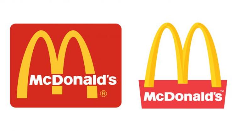"""麦当劳的""""金色拱门""""标志一直以几种不同的方式与它的标志出现"""