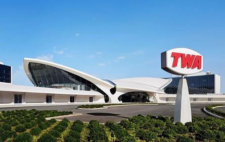 这个披着航站楼外皮的机场酒店,跨越半个世纪依旧经典!