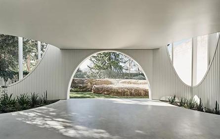 一家5口現代創意美宅,開滿窗的房子你敢住嗎?