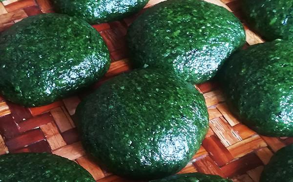 传统美食—艾草粑粑