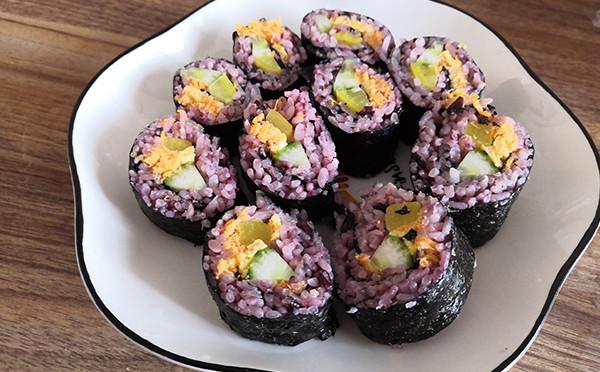 美食制作-紫菜包饭