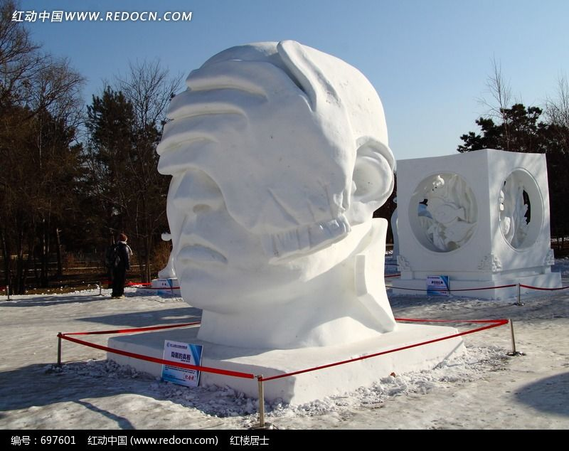 雪雕人物头像