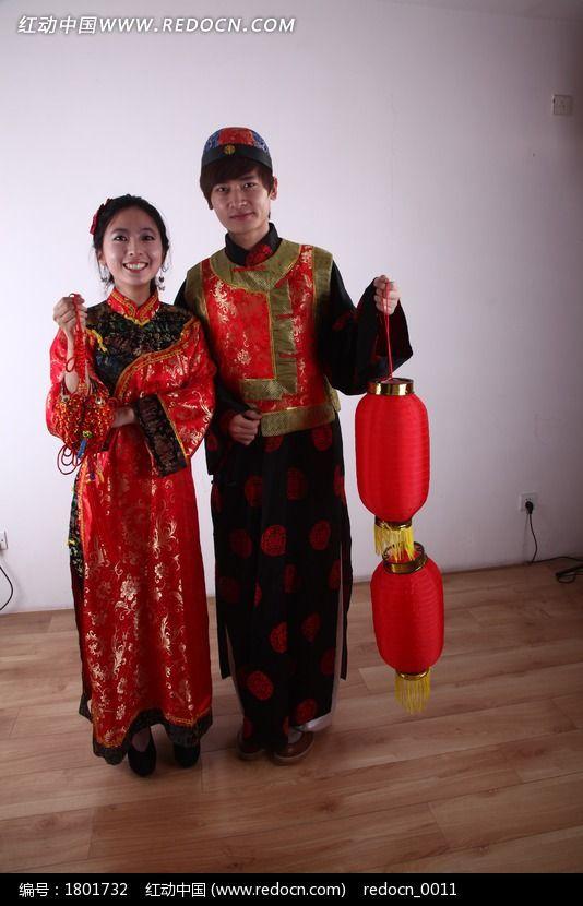 新年人物 古代男女 打灯笼拿中国结
