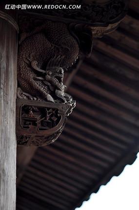 圣兽托木浮雕
