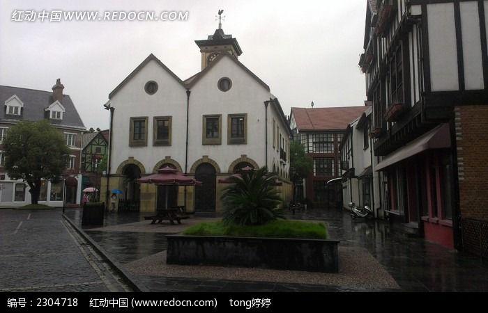 复古英伦建筑雨天欧式房屋