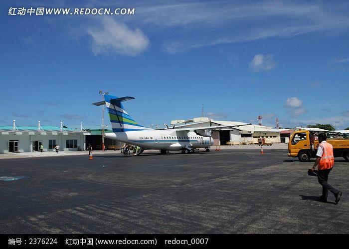 机场里的小型飞机