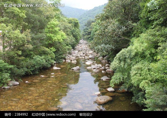山间小溪图片_自然风景图片