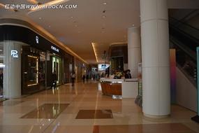 广州万菱汇商场大堂