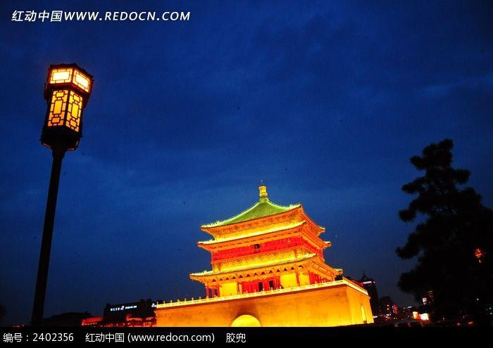 西安古城钟楼夜景图片
