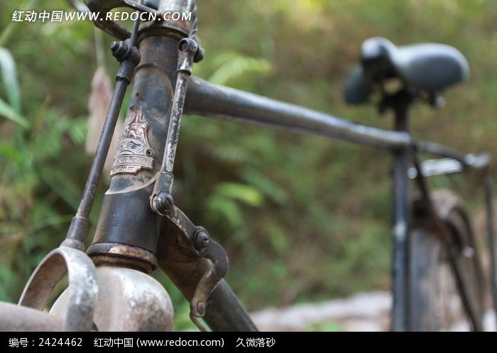典怀旧老式黑色二八自行车图片素材下载