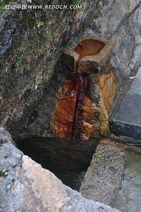 山涧小水池