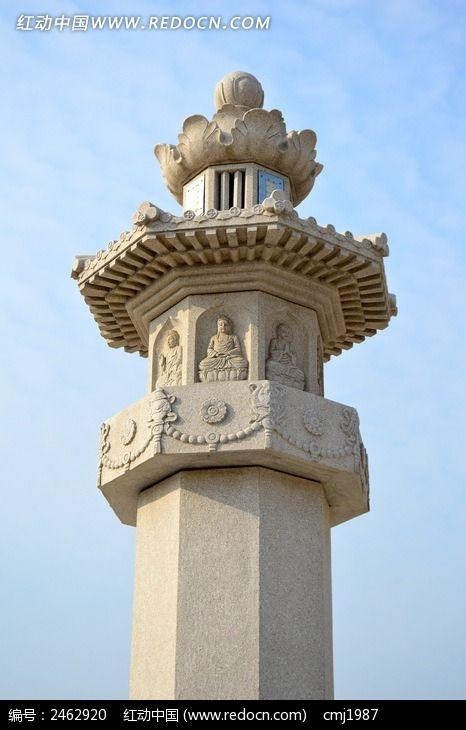 雕刻佛像的柱子图片