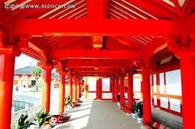 宝林寺的红色走廊