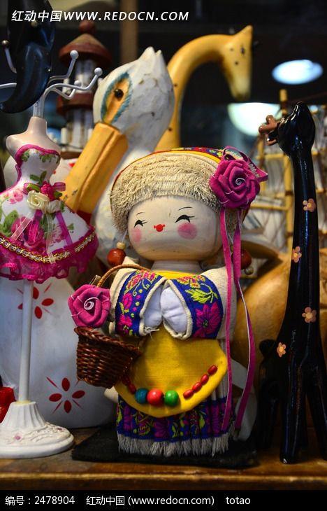 少数民族的木偶女孩图片