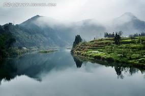 雾气缭绕的婺源旅游名胜景点