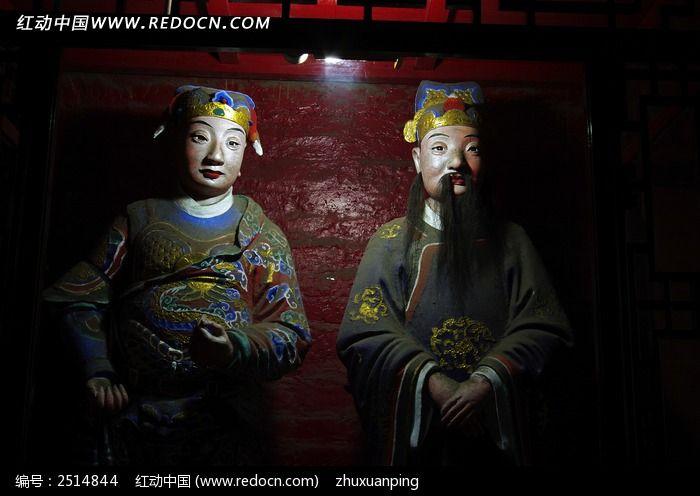 三国人物彩绘雕像