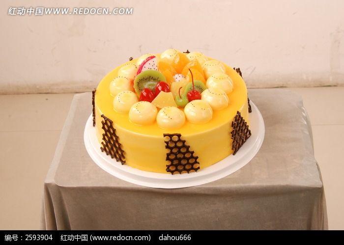 奶油花朵生日蛋糕 奶油卡通小猪生日蛋糕