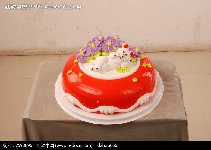 奶油卡通小猪生日蛋糕图片