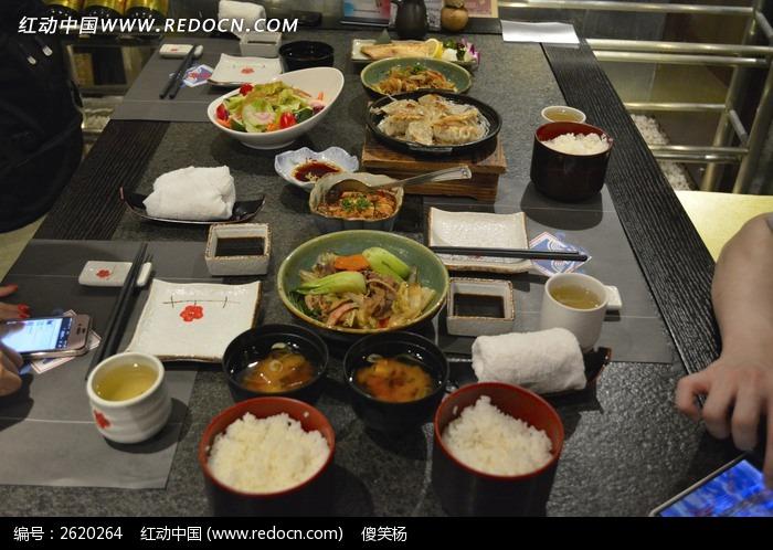 一桌子的饭菜图片素材下载 2620264