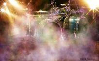 烟雾里的乐器psd分层素材 PSD