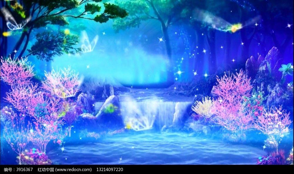 视频_梦幻仙境瀑布湖畔蝴蝶飞舞视频