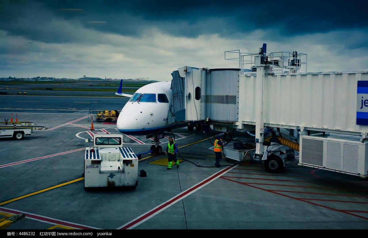 热闹宣泄的机场实拍素材图片