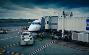热闹宣泄的机场实拍素材 mov