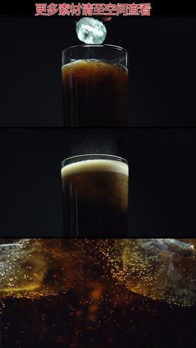 可乐加冰块高清实拍视频素材