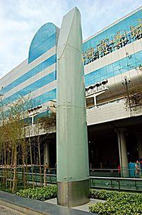大型玻璃圆柱形景观灯柱 JPG