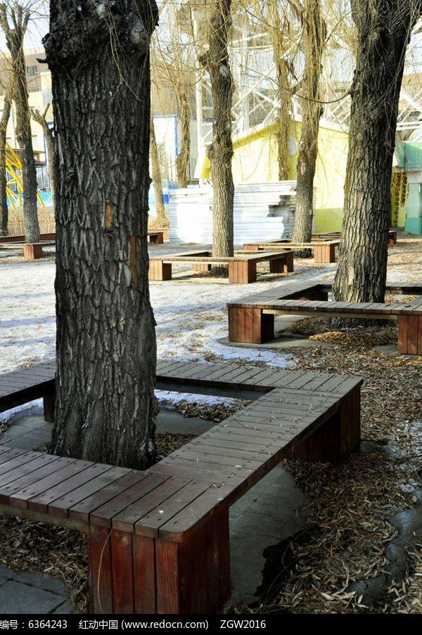 方形树池木质坐凳