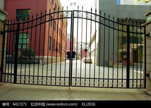 欧式铁艺栏杆大门入口图片