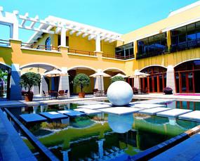 酒店内院水景雕塑