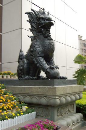 门前狮子石雕小品