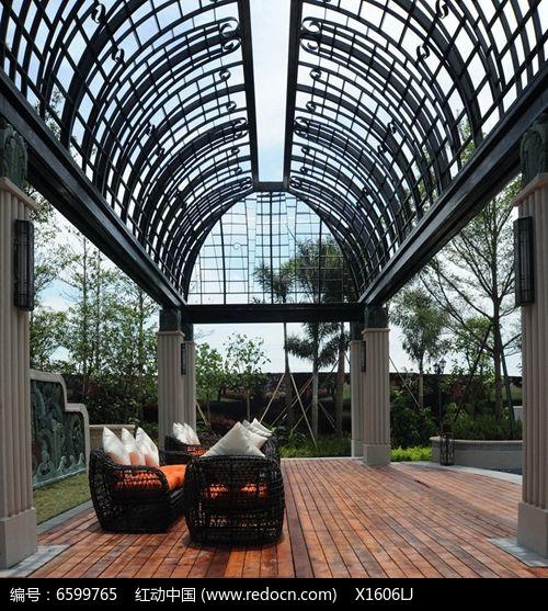 欧式铁艺拱形廊架图片
