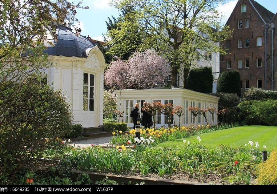 法国花园小房子图片