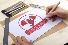 卡通香辣虾LOGO
