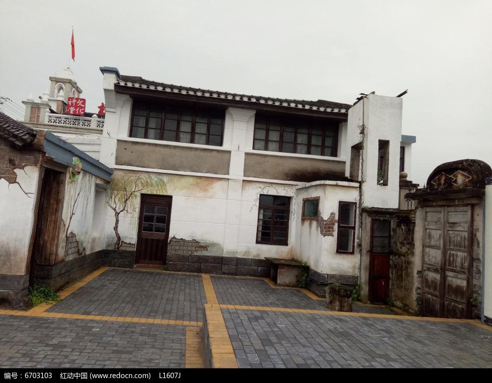 白墙青瓦建筑立面装饰图图片