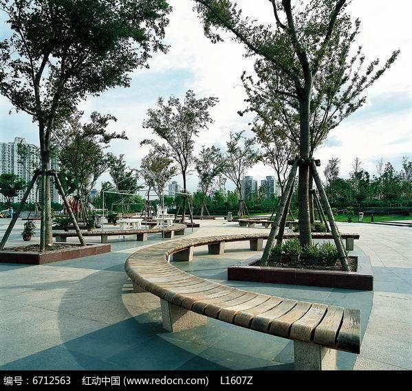 广场弧形木制树池jpg素材下载_花坛树池设计图片