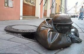 下水道工人雕塑小品