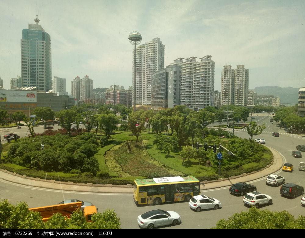 城市道路中心圆形植物带